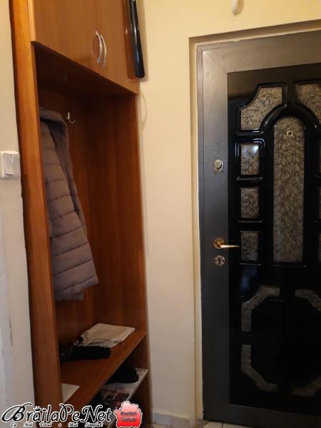Vand Apartament 2 cam Obor