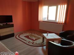 Inchiriez apartament 1 camera Rosiori colt cu Albina
